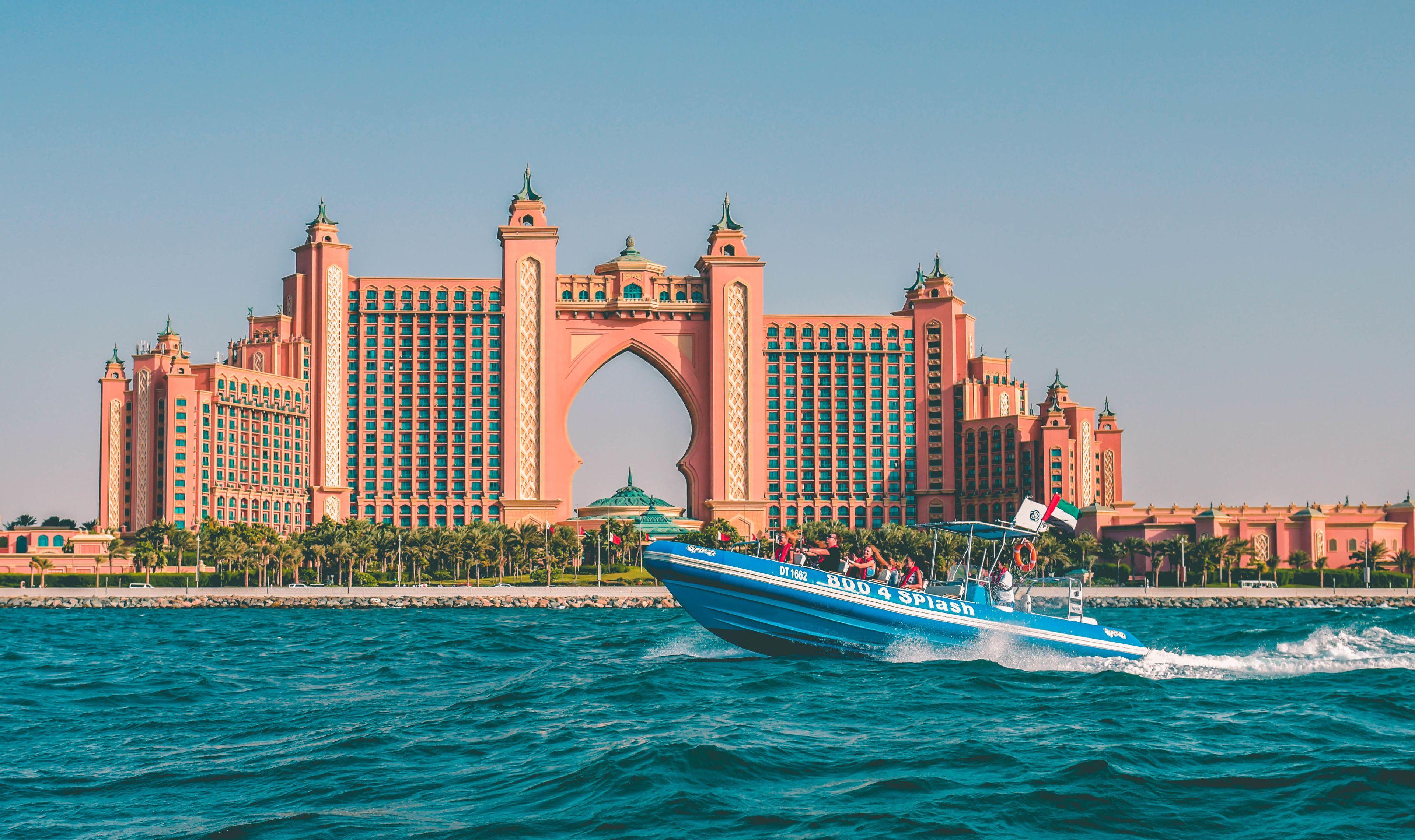 1.5-Hour Speedboat Tour Dubai Marina, Atlantis, Burj Al Arab