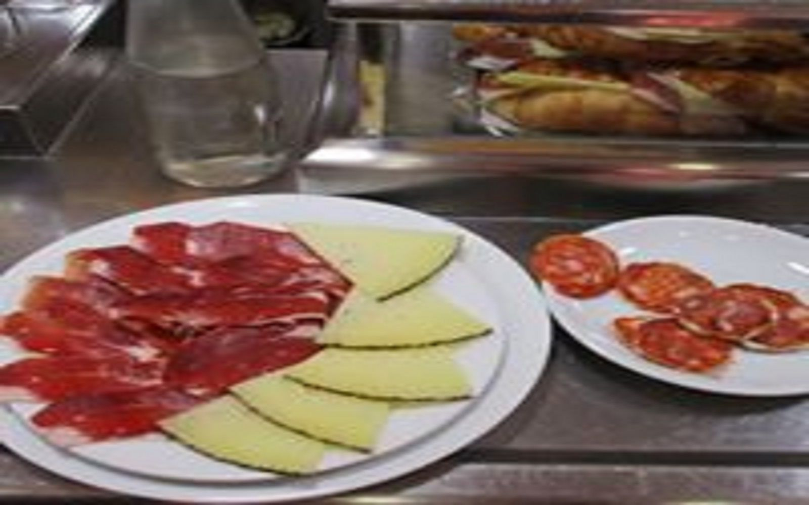 Tapas and history tour through old Madrid