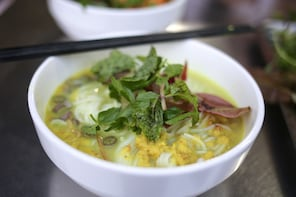 Phnom Penh Evening Food & Beer Tour by Tuk Tuk