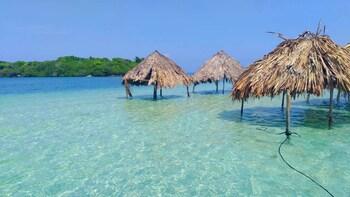 Exclusive Full-Day Trip on the Islands, Cholon-Gente de Mar