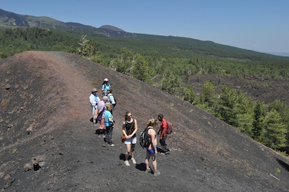 Hiking group in Etna