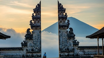 Bali Instagram-able Tour: Gate of Heaven Lempuyang