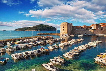 croatia-dubrovnik-old-port-harbor.jpg