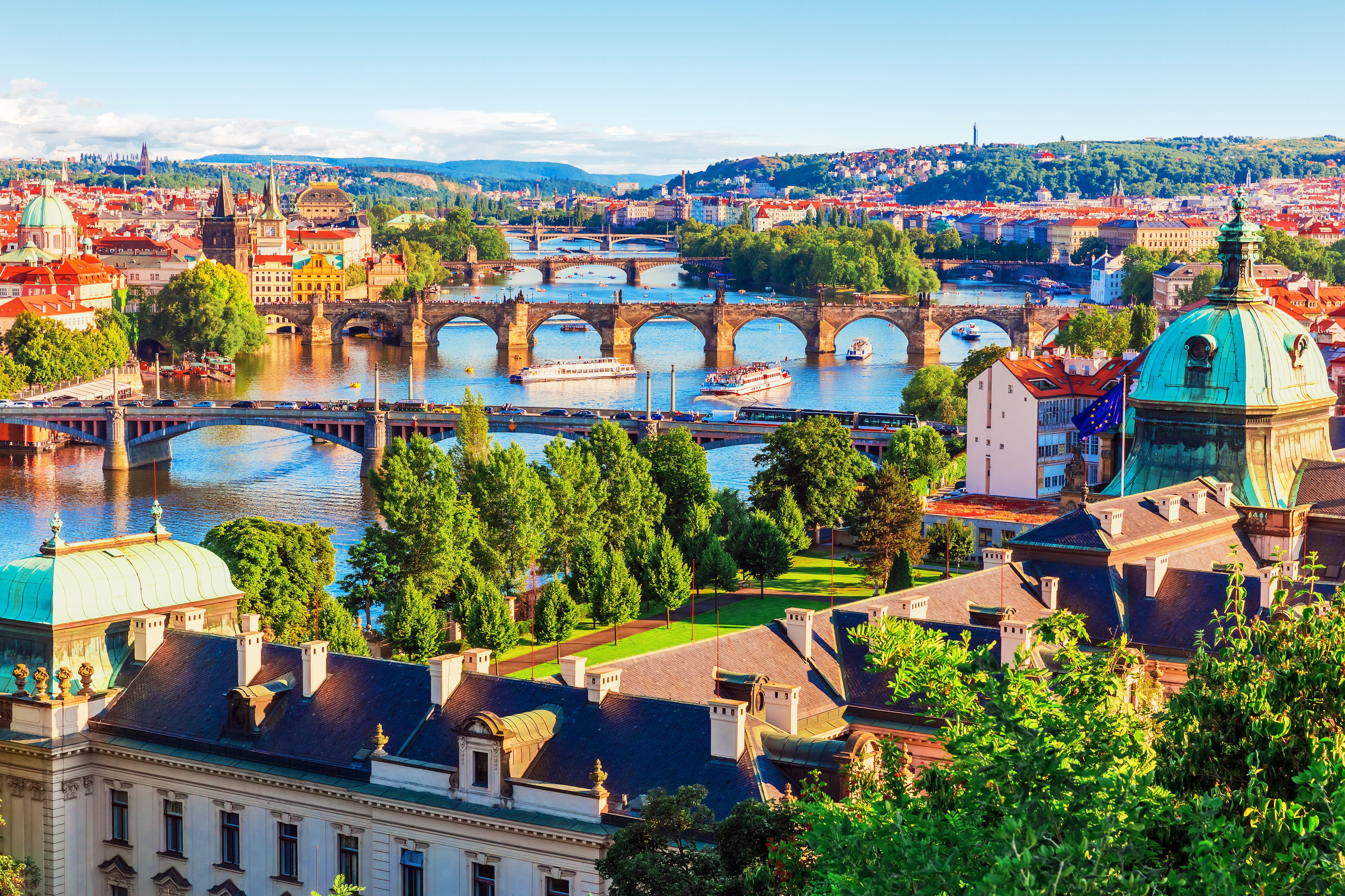 Private Full Day Tour to Prague from Vienna