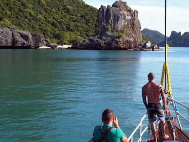 Classic Thai Yachts Sunset Boutique Cruise to Ang Thong Park