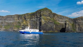 Cliffs of Moher 1 Hour Cruise on the Star of Doolin