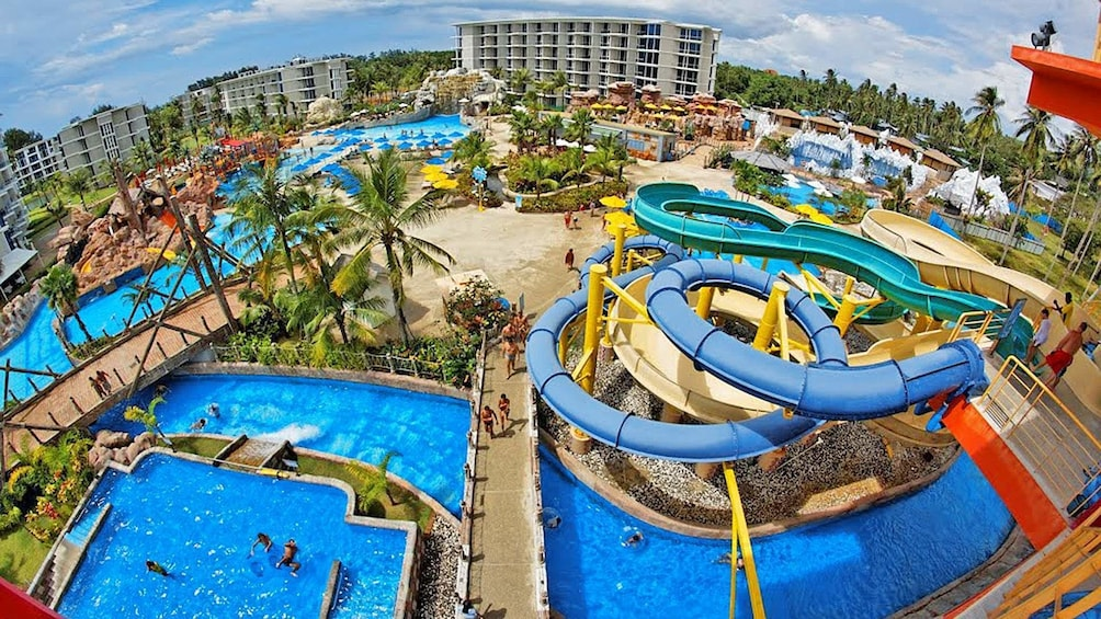 Skip-the-Line Splash Jungle Water Park Tickets & Transfers