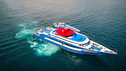 Phuket to Phi Phi by Ferry or vice versa
