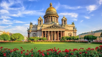 Private Essential City Tour with Hermitage and River Cruise
