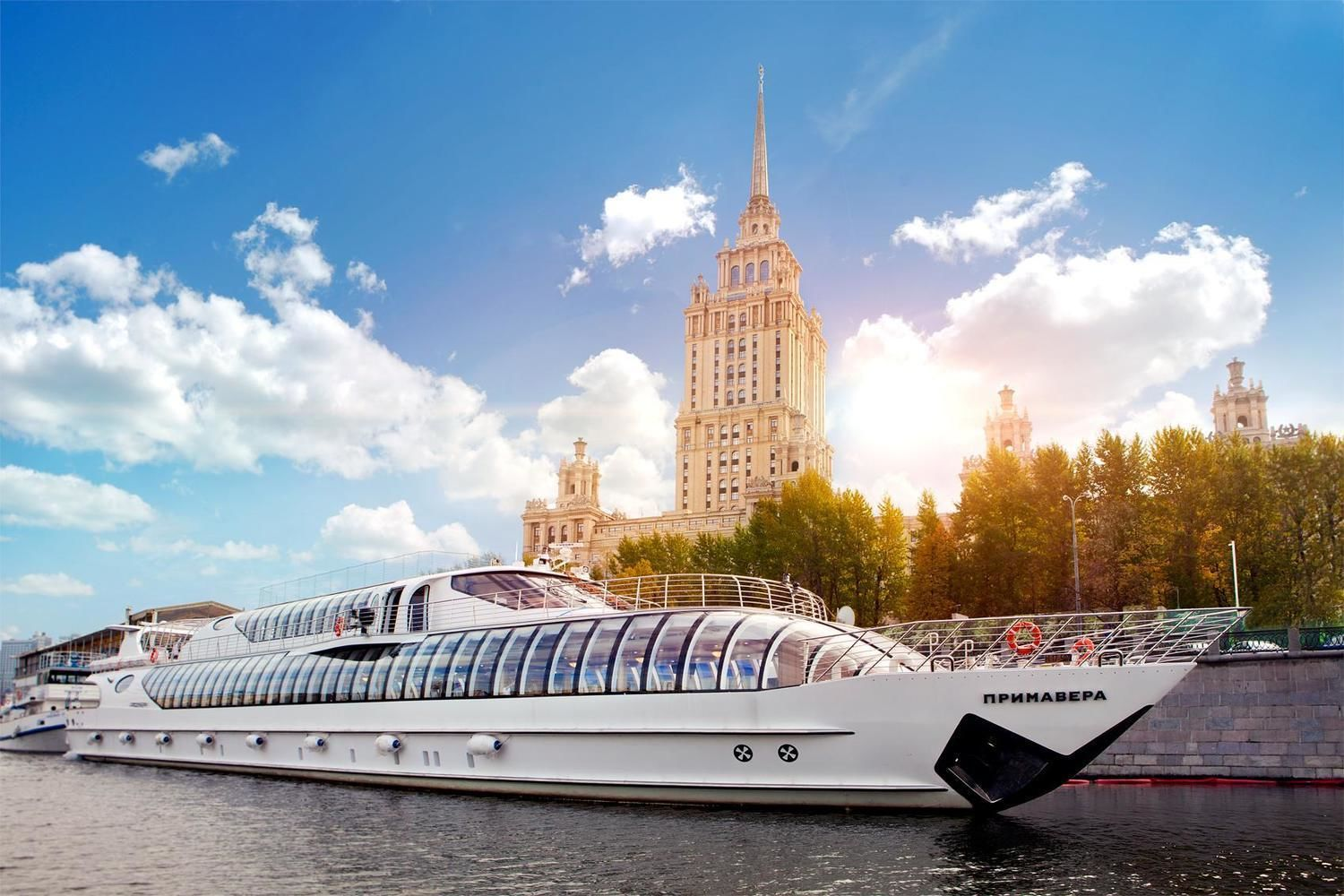 Private Tour of Moscow Kremlin, Moscow Metro & River Cruise