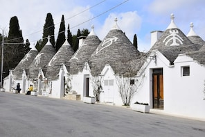 Tour of Alberobello