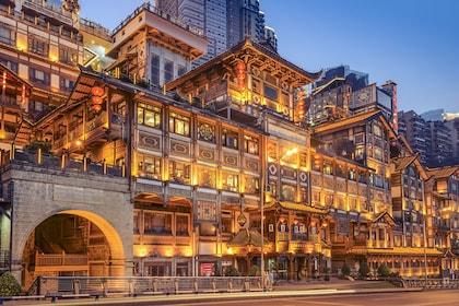 Night view of Chongqing Hongyadong