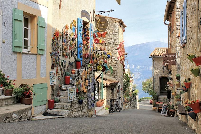 Gourdon village