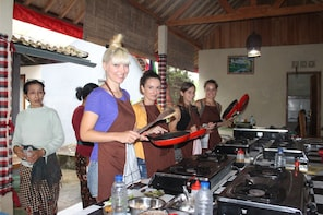 Traditional Balinese cooking course