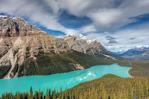 7 day Western Canadian Rockies Small Group Camp from Seattle