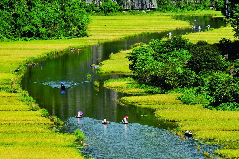 2-days Trang An, Mua Cave, Tuyet Tinh Coc, & Cuc Phuong Park