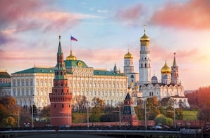 Moscow: Kremlin Ticket and 2-Hour Group Tour