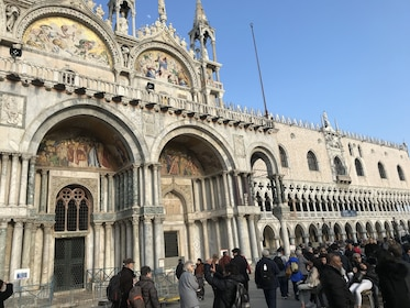 Crowds of people at Saint Mark's Basilica