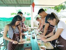 Traditional Lanna Smile Thai Cooking Class With Market Tour