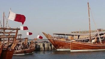 Qatar Dhow Cruise with corniche walk