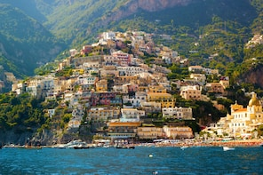 The Amalfi Coast in full