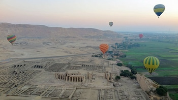 Luxor Private East&West banks Highlights Tour-Must see sites