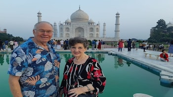 Private Overnight Taj Mahal & Agra Tour from Delhi