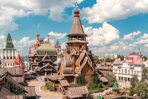 Private Moscow Izmailovo Flea Market and Vodka Museum Tour