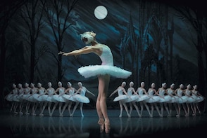 Enjoy World-famous Swan Lake Ballet in St. Petersburg