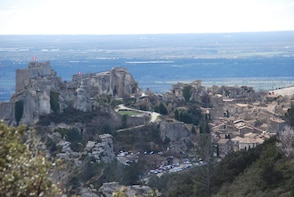 Culture & Wine in Les Baux from Arles