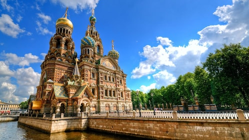 Church-of-the-Savior-on-Spilled-Blood-St-Petersburg-www.istockphoto.jpg