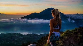 Mt Batur Sunrise Trekking with Breakfast Atop & Coffee Tour