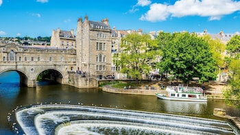 Bath & Stonehenge small group tour with optional cream tea