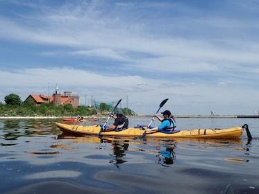 Close up of a pair kayaking in Klaip?da