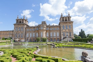Windsor with Blenheim Palace & Gardens - Small Group Tour