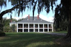 Guided Destrehan Plantation & Barataria Swamp Tour