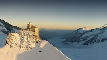 Jungfraujoch day tour with private tourguide - from Bern