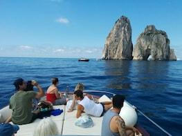 Capri Boat Experience: Living la Dolce Vita Italiana