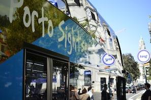 Porto Hop-On Hop-Off Tour 24h & Visit to FC Porto Museum