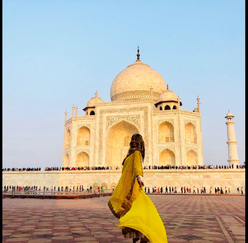 Same Day Taj Mahal Tour from Mumbai including return flights