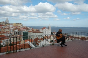 Lisbon Tour for people with reduced mobility