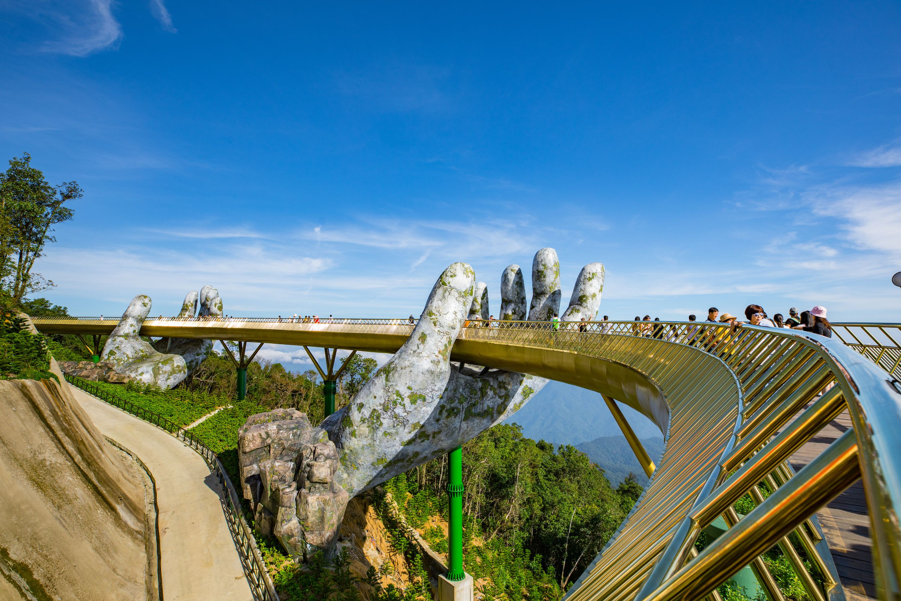 Explore Ba Na Hills & Visit Golden Bridge from Da Nang