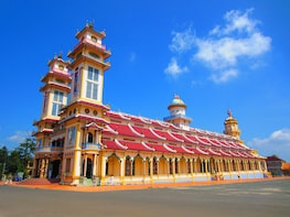 Small-group Cu Chi Tunnels & Cao Dai Temple (Day Trip)
