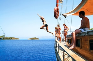 Round Malta cruise with food and drinks