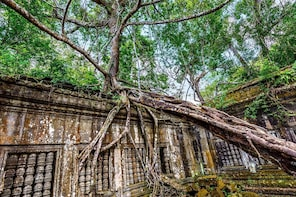 Banteay Srey and Beng Melea in Siem Reap Full Day Tour