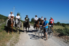 Cycling tour of the valley Sinjsko polje