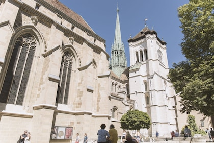 Saint Peters Cathedral.jpg