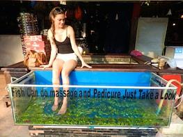 Siem Reap Night Market and Fish Massage Tour