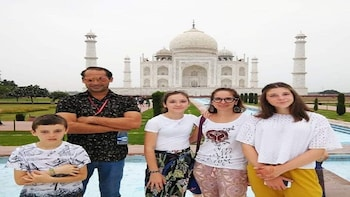 Taj Mahal & Agra Private Day Tour from Delhi- All-inclusive