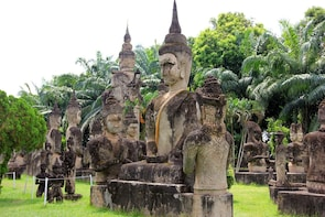 Vientiane Capital City & Buddha Park Full-day Tour